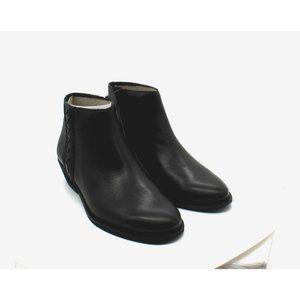 Zodiac Morrissey Booties Women's Shoes